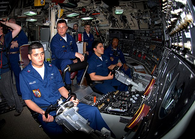 Ohio-class_guided-missile_submarine_USS_Florida_(SSGN_728)
